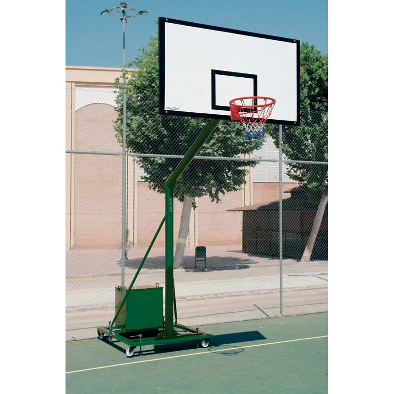 PORTABLE BASKETBALL BACKSTOPS, 4 WHEELS
